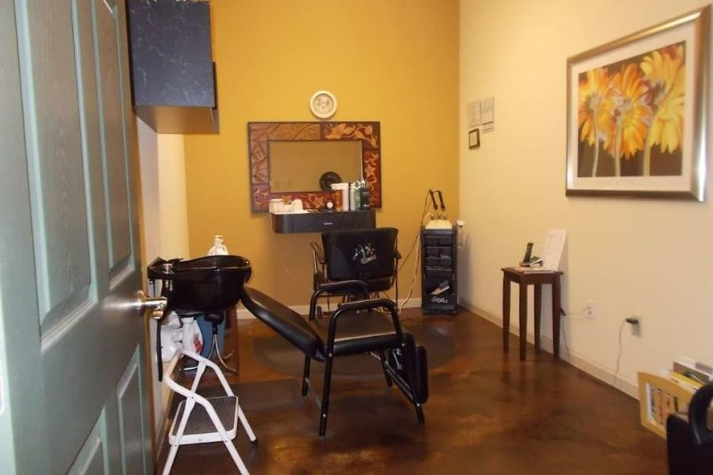 An onsite salon at Woodside Manor in Conroe, Texas