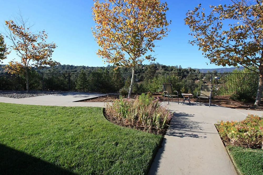 Outdoor walking area for residents at Oak Terrace Memory Care in Soulsbyville, California