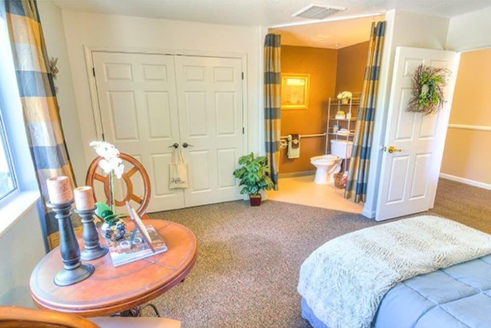 Model bedroom at Oak Terrace Memory Care in Soulsbyville, California
