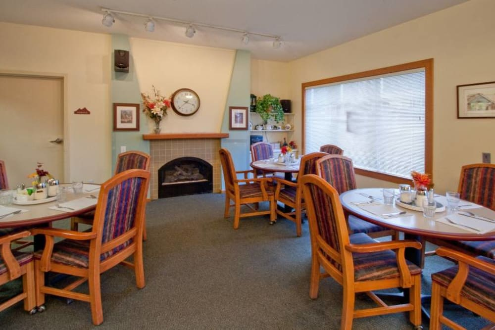 Dining Room at Mountain Meadows Senior Living Campus
