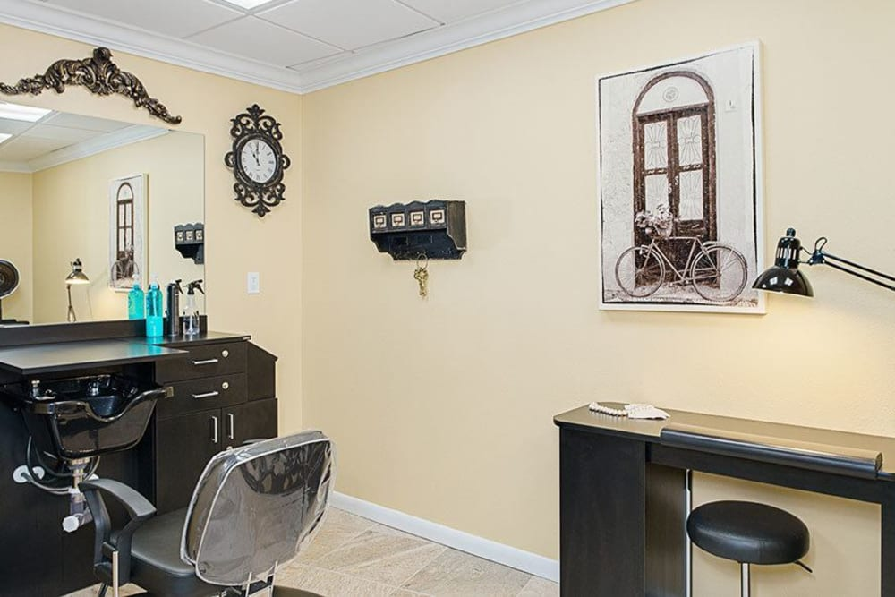 Salon at Grand Villa of Lakeland in Florida