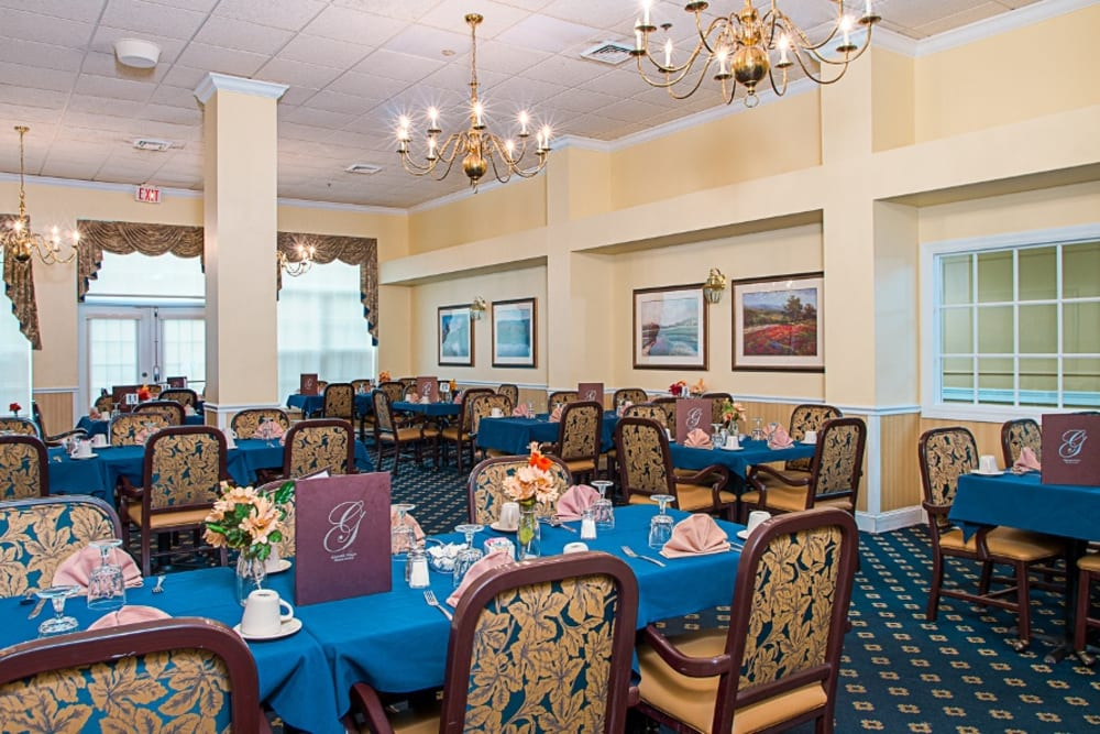 Dining hall at Grand Villa of Delray West in Florida