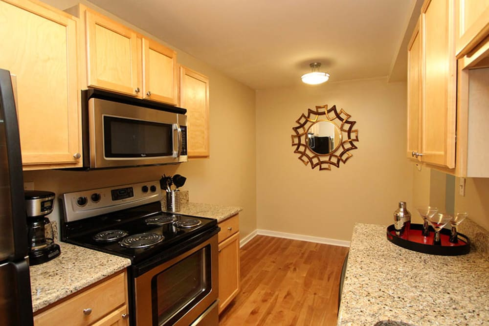 Upgraded kitchens at Fieldpointe of Schaumburg in Schaumburg, Illinois