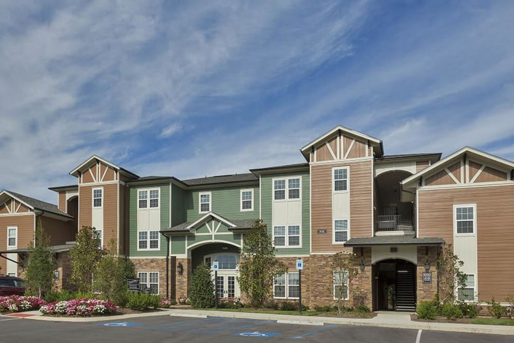 Front building entries at Integra Hills Preserve Apartments in Ooltewah, TN