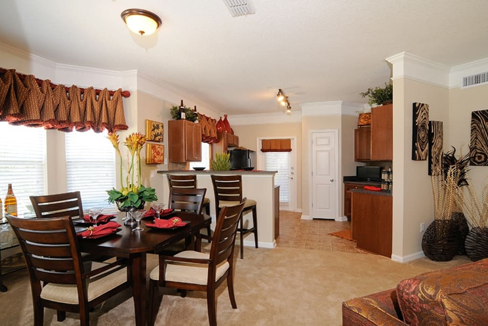 Dining area at Villas at Houston Levee East Apartments in Cordova, TN