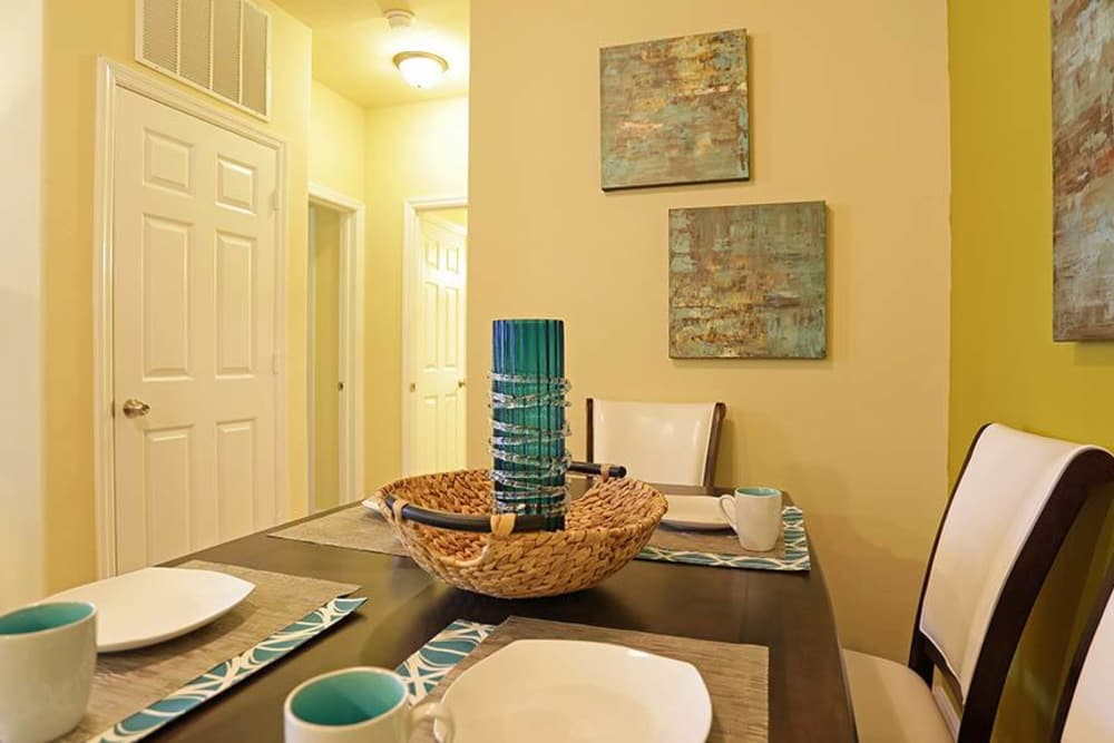 Dining area at Huntsville Parc Apartment Homes in Huntsville, AL