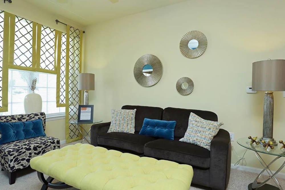 Living room at Huntsville Parc Apartment Homes in Huntsville, AL