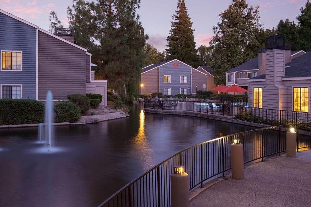 Lots of riverside walkways at Hidden Lake Condominium Rentals in Sacramento, California