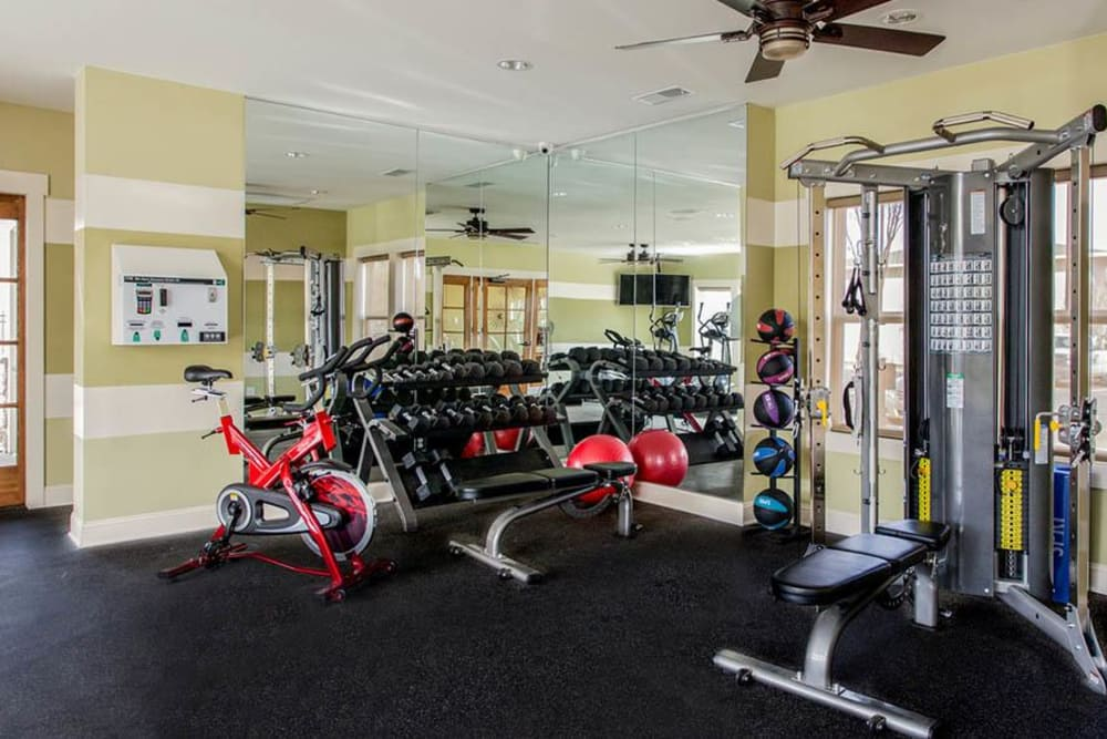Fitness center at Fern Parc Apartment Homes in Huntsville, AL