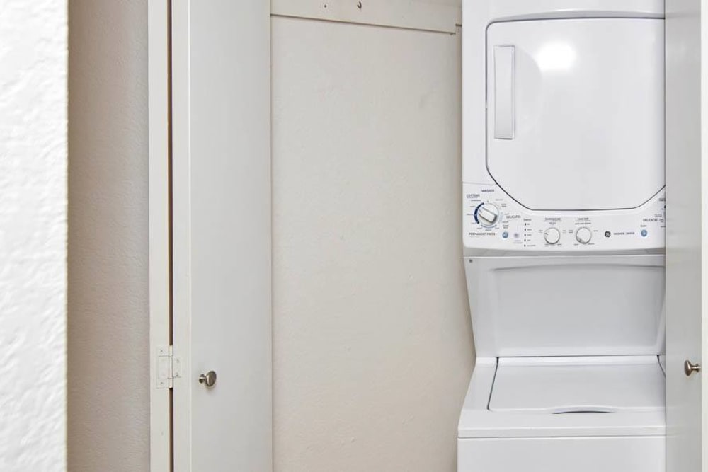 Apartments with a Washer/Dryer in Mountlake Terrace, Washington