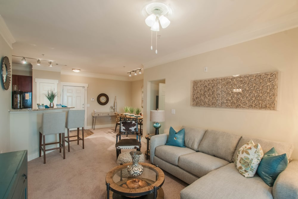 Open floor plans at Panther Riverside Parc Apartments in Atlanta, GA