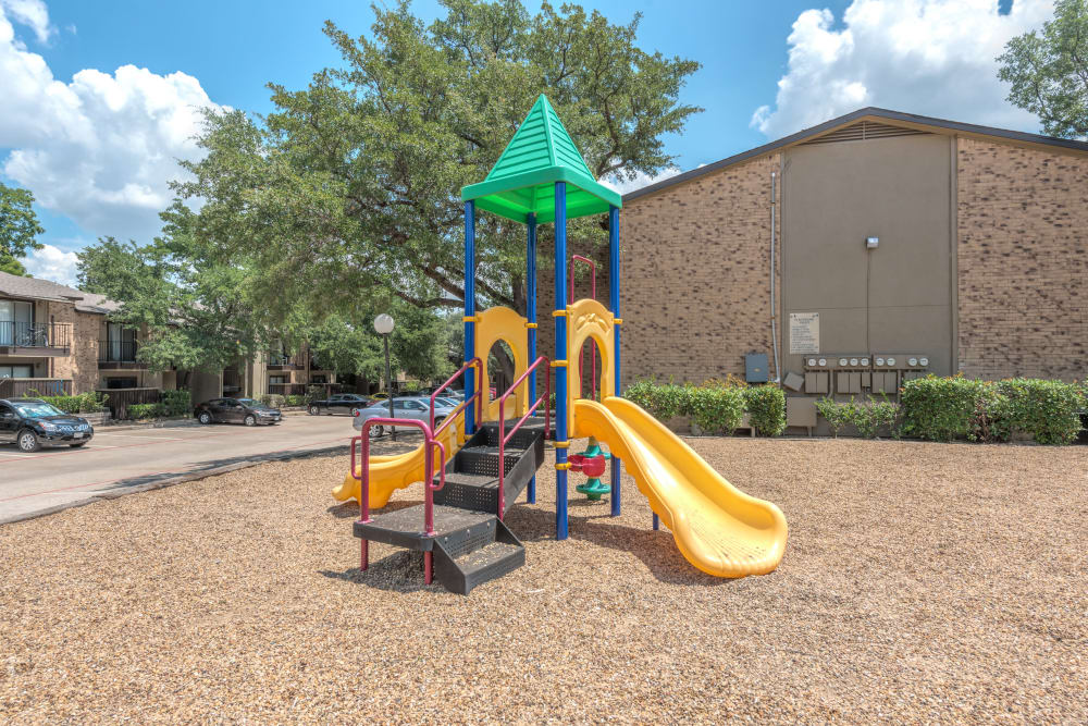 Playground at Wooded Creek