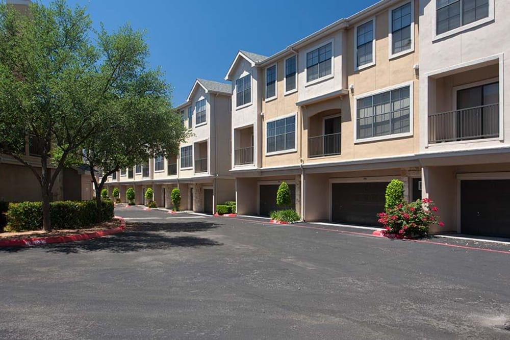 Exterior of The Quarry Townhomes in San Antonio, Texas