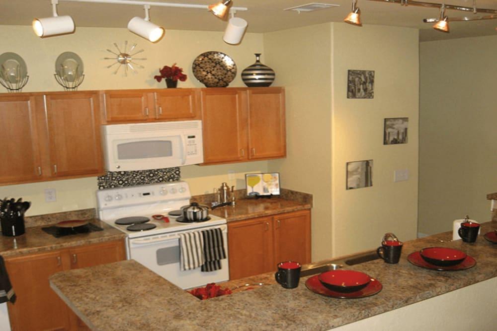 Kitchen at Huntsville Parc Apartment Homes in Huntsville, AL