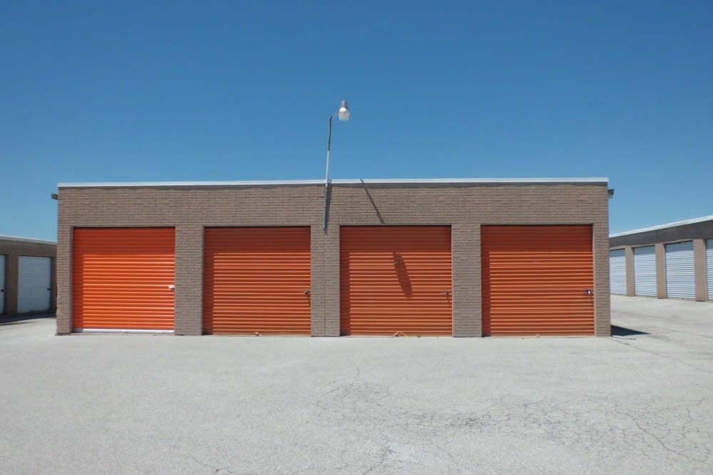Drive-up units at A Storage Inn - Ellisville