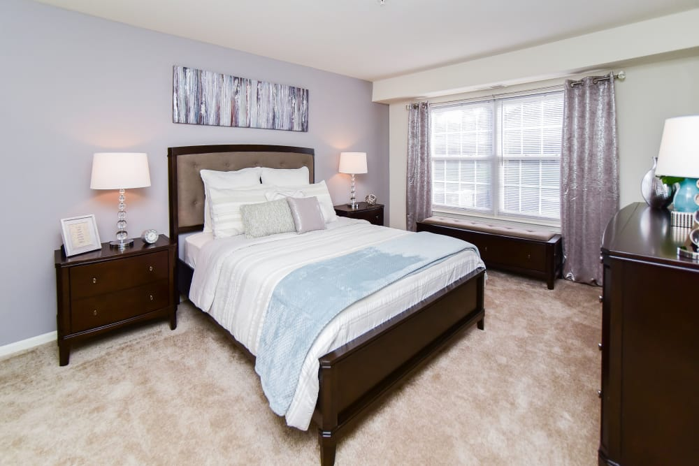 Abrams Run Apartment Homes offers a naturally well-lit bedroom in King of Prussia, PA