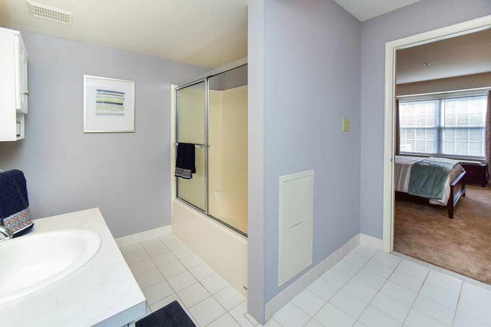 Abrams Run Apartment Homes offers a bathroom in King of Prussia, PA