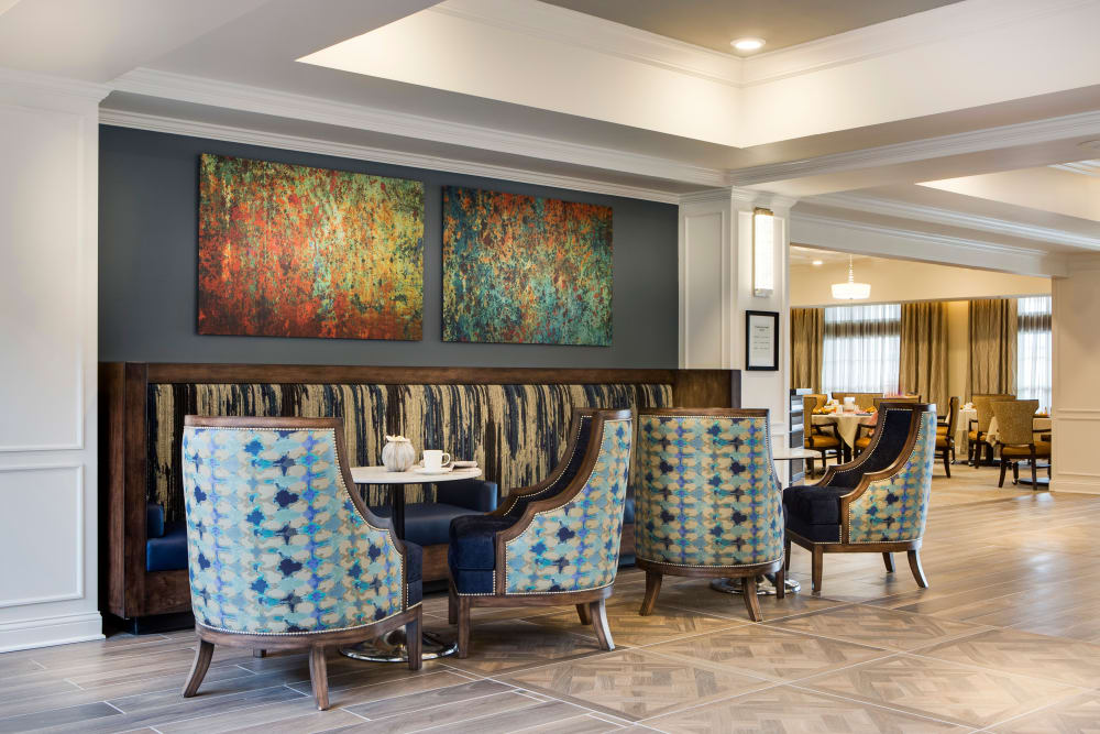 Lobby area at Stonecrest at Burlington Creek in Kansas City