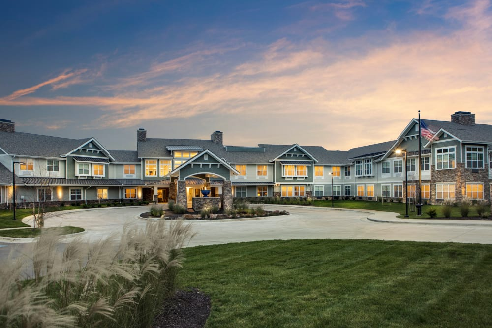Exterior shot of Stonecrest at Burlington Creek in Kansas City