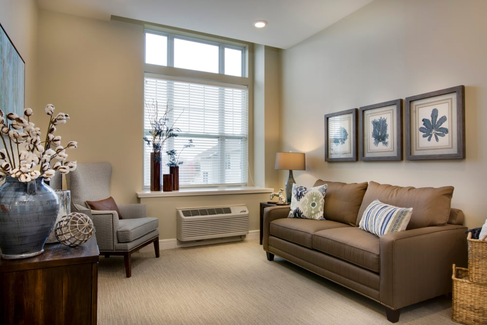 Large living room windows at Stonecrest at Burlington Creek in Kansas City