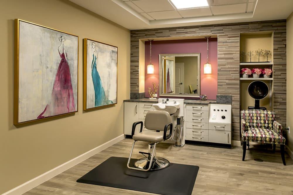 salon at Azpira Place of Lake Zurich