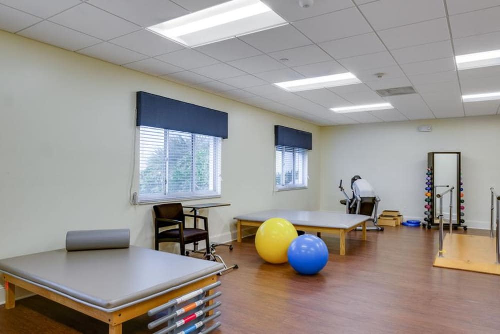Fitness center at Grand Villa of Fort Myers in Florida