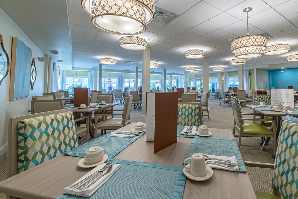Spacious senior living dining hall for gourmet meals
