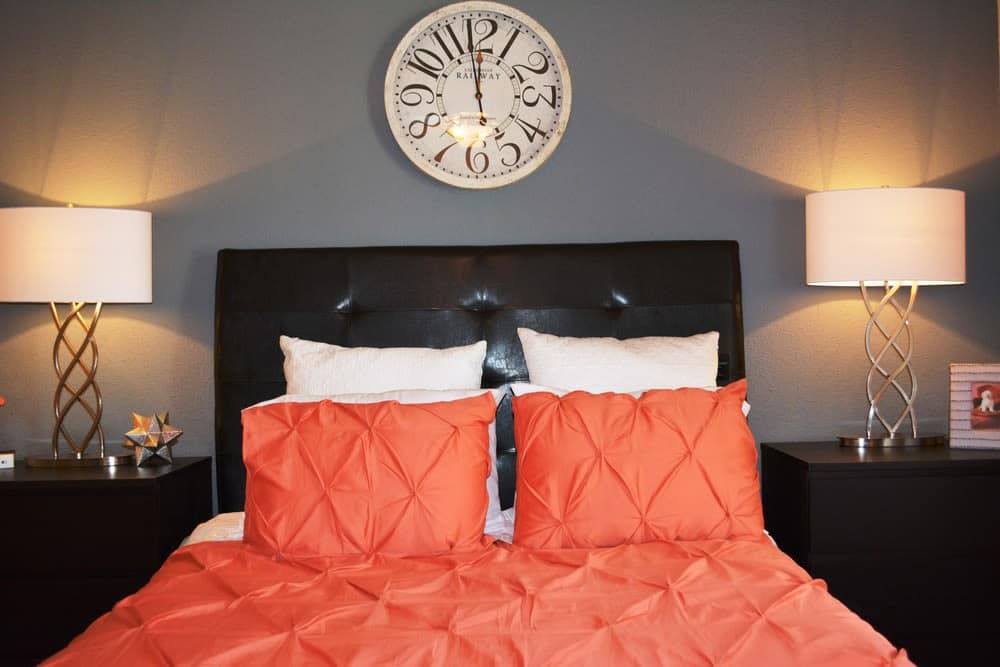 The Abbey at Eldridge offers a modern bedroom in Houston, TX