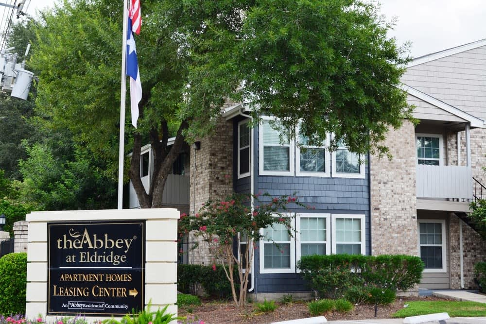 Front view of The Abbey at Eldridge in Houston