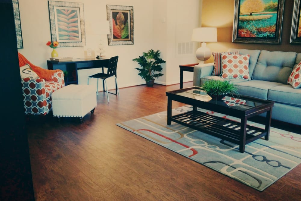 The Abbey at Jones Road apartments in Houston, TX showcase an ample living space