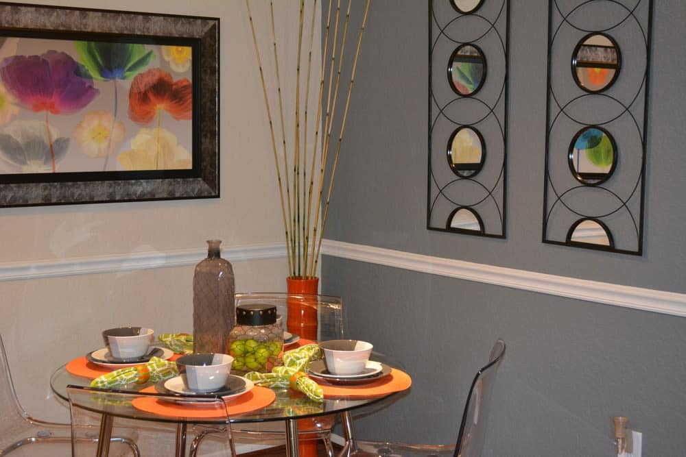Dining area at The Abbey at Northlake apartments