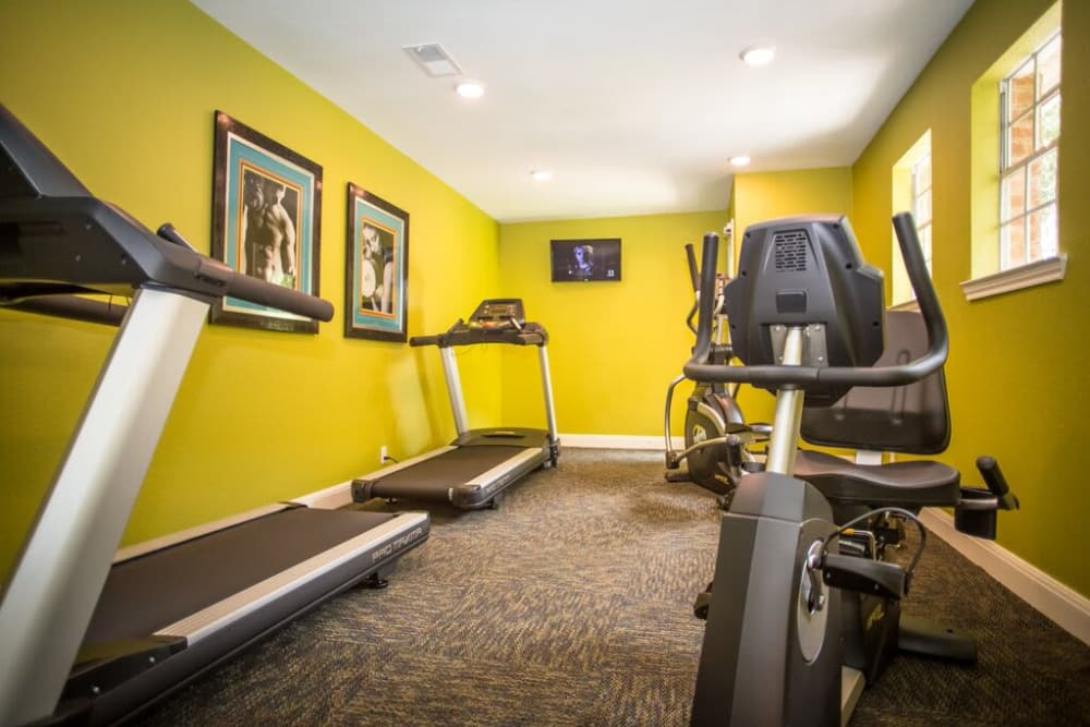 Stay healthy in our fitness center in San Antonio