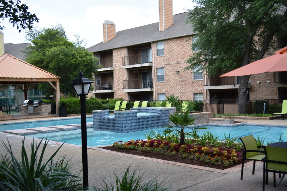 The Abbey at Copper Creek poolside in San Antonio