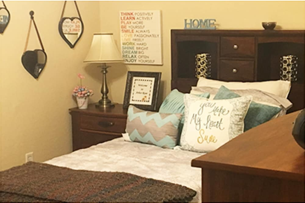 Make yourself at home at Arbor Rose Senior Care