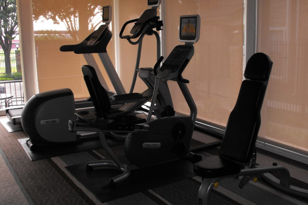 Fitness center at Avalon Villas in Irving
