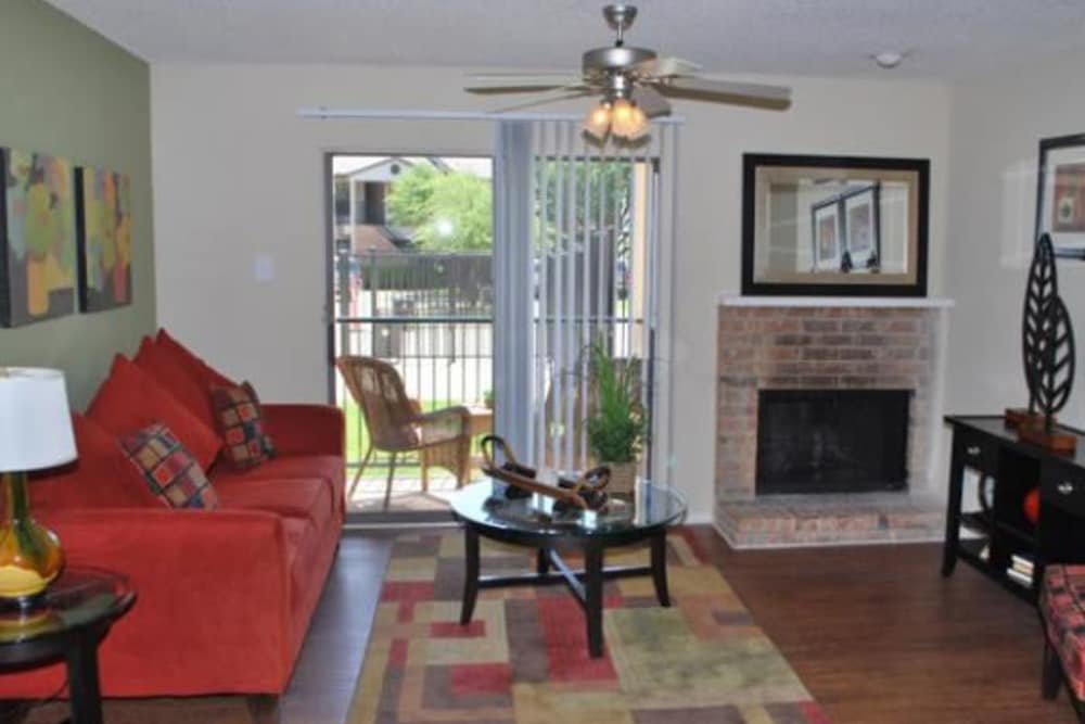 West irving tx apartments for rent montoro apartments for Rent a center living room groups