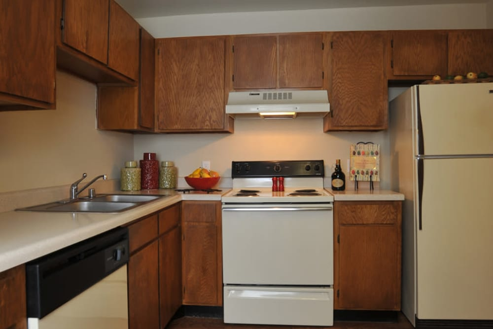 Enjoy a full equipped kitchen at Pear Tree apartments