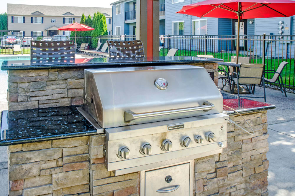 Poolside BBQ at Madison Park Apartments in Vancouver, Washington