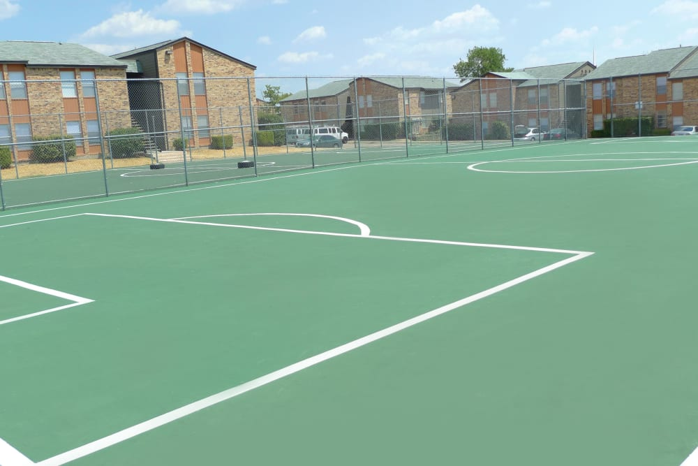 Tennis court at Ladera Palms in Fort Worth, TX