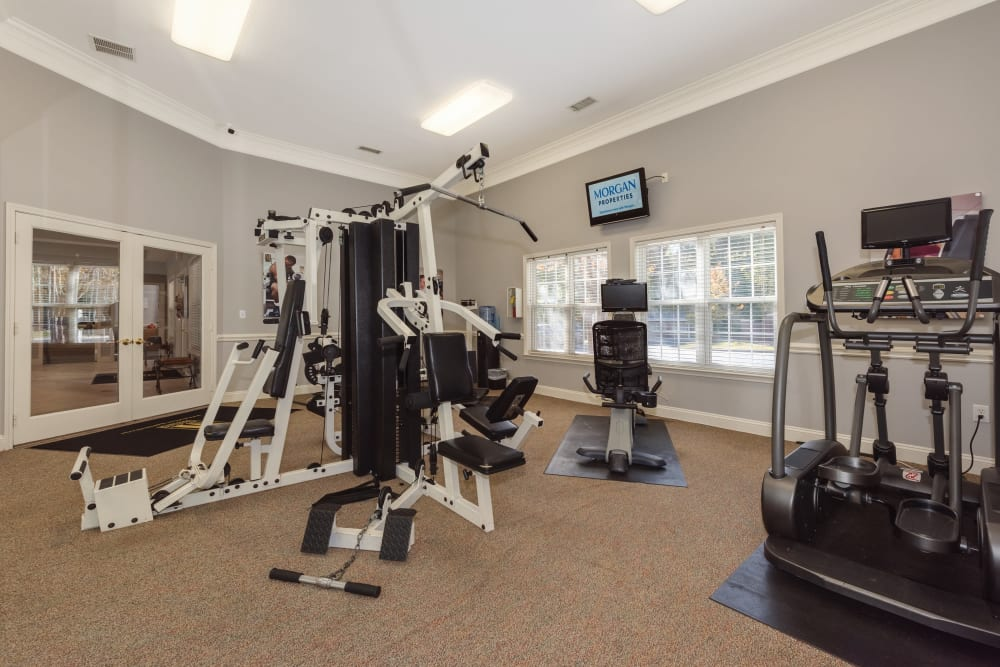 Fitness center at Forest Oaks Apartment Homes
