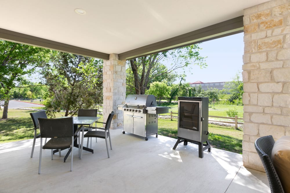 Affinity at Southpark Meadows patio with gas grill
