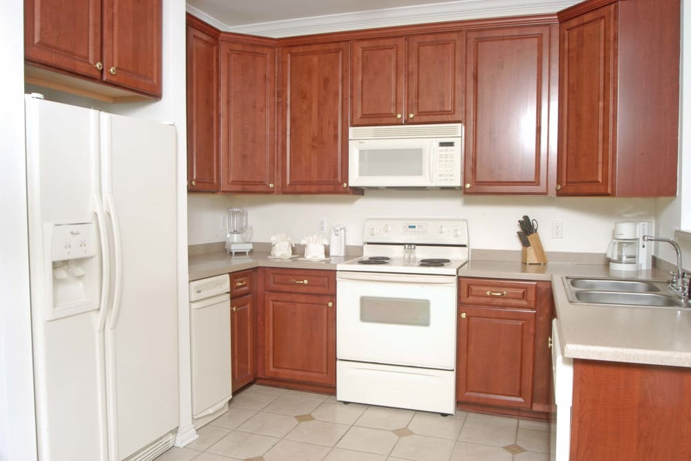 Well equipped kitchen at CiderMill Village apartments
