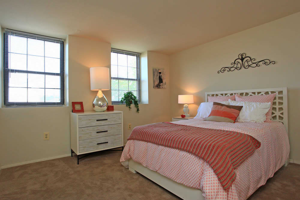 Modern bedroom at Dutch Village in Baltimore, MD