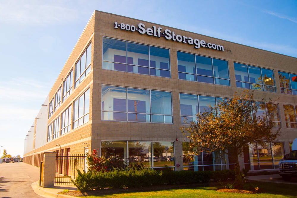 Lovely exterior of 1-800-SELF-STORAGE.com in Troy, Michigan