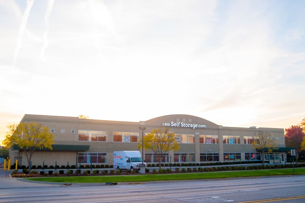 Photos Of 1 800 Self Storage Com In Oak Park Michigan
