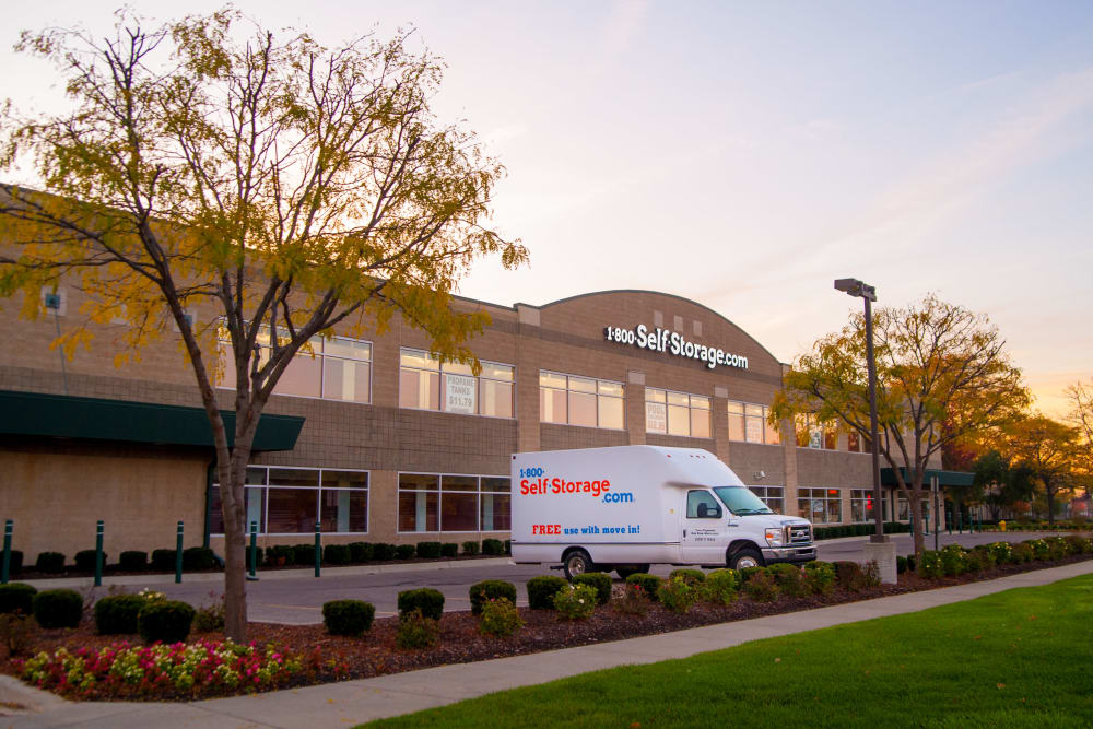 Another nice view of the exterior at 1-800-SELF-STORAGE.com in Oak Park, Michigan
