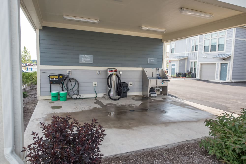 Car Wash & Pet Spa Station At Springs at Kenosha Apartments
