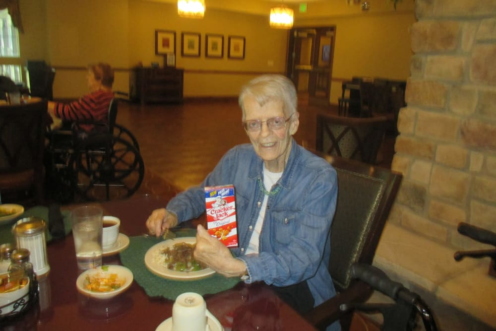 Senior enjoying Eastern Star Masonic Retirement Campus dining services