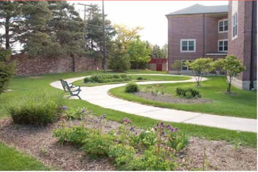 Garden at Regent Street Senior Living in West Bloomfield Township, Michigan