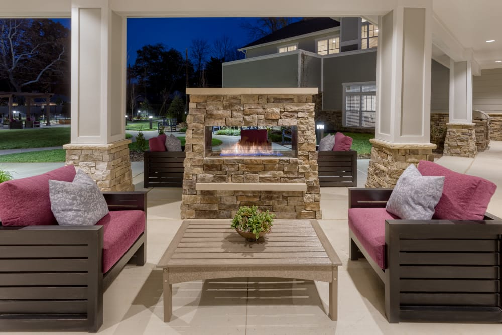 Outdoor lounge area at Stonecrest of Meridian Hills in Indianapolis